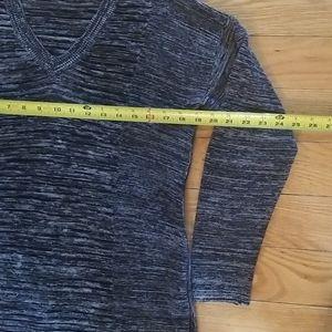 Ellen Tracy Sweaters - Ellen Tracy v-neck sweater